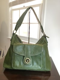 Green Leather Hand Bag, pre owned. Gaithersburg, 20878