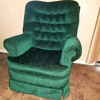 Emerald Green Couch  Johnstown, 15904