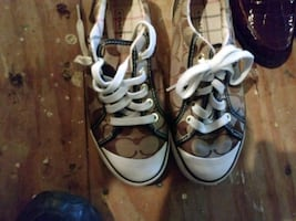 Coach tennis shoes size 5 and 1/2