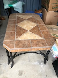 Table Indian Hills, 80454