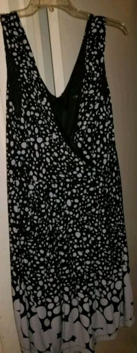 Black AND GRAY POLKA Dot PRINT SCOOP NECK DRESS Alexandria, 22311