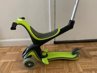 Globber child scooter, has both sitting and standing mode. New York, 10006