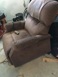 Power lift chair battery back up clean non smoker no pets Concord, 03301