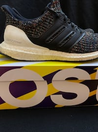 Adidas ultra boost size 9 1/2 men's shoes Edmonton, T5K