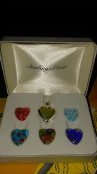 six heart pendants in box El Paso, 79925