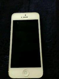 white iPhone 5 with case Milwaukee, 53210