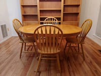 Solid Oak table with 4 chairs Laurel