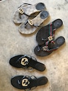 Gucci sandals, size 8 (need repair)