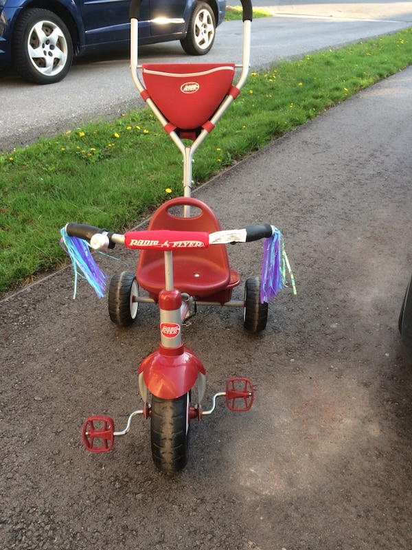 Radio flyer tricycle with parental controls