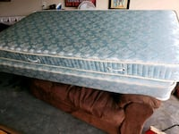 blue and white floral mattress Shelbyville, 37160
