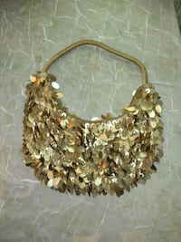 gold-colored and white beaded necklace Medina, 44256