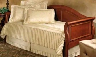 Lovely Daybed and trundle