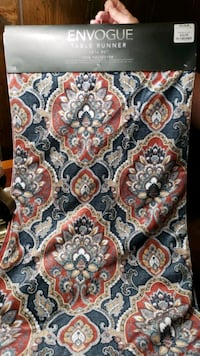 table runner / table scarf