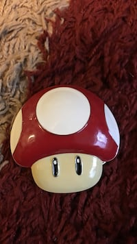 Super Mario bros red mushroom belt buckle Burnaby, V5G 1P3