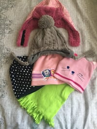 Kids hats and scarf Los Angeles, 91406