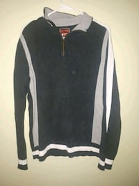 Tommy Hilfiger sweater pull over. Size M
