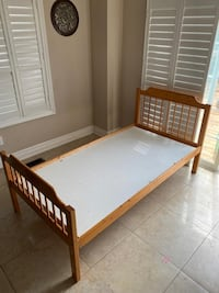 Twin size bed. Delivery avaible