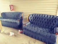 Matching couch n love seat no bugs lol Springfield, 65803