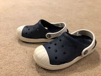 Boys Crocs, Size 1Y Falls Church