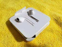 Orginal Apple Earpods with adaptor. (Brand New) Arlington, 76014