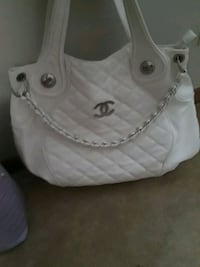 white and gray leather tote bag Auburn, 30011