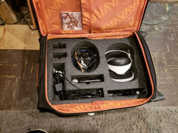 Ps4 set with VR glasses. 8bb54328-82ce-46d0-9e74-3f455ae726c5