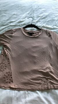 Forever 21 Pink-ish Top 223 mi
