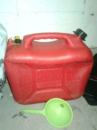 25 Lt gas jug with gas funnel Newmarket, L3X 2R5
