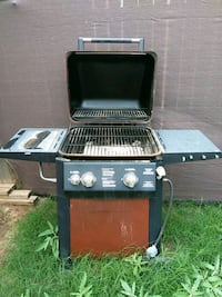 Red and black gas grill Midland, 79707