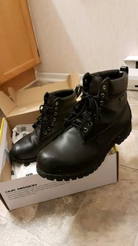 Black leather Daykota boots. Mississauga, L5N 2X3