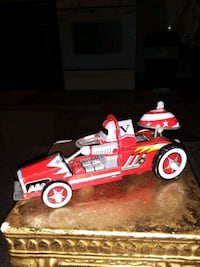 VINTAGE TIN TOY ROBOT RACE CAR COLLECTABLE 6 INCHES LONG COOL CAR SALE