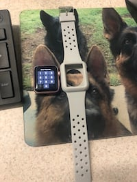 apple watch 38mm series 2 with white sports band null