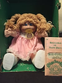 Original cabbage patch doll in box with birth certificate  Centereach, 11720