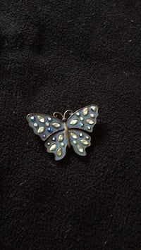 silver-colored and black butterfly pendant Redding, 96001
