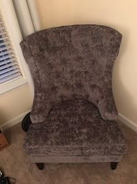 Beautiful grey wingback chair Arlington, 22203