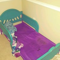 Toddler bed w/ bed