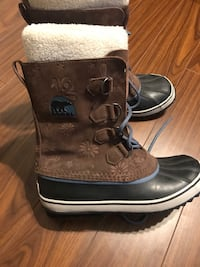 Pair of brown leather boots Mississauga, L5J