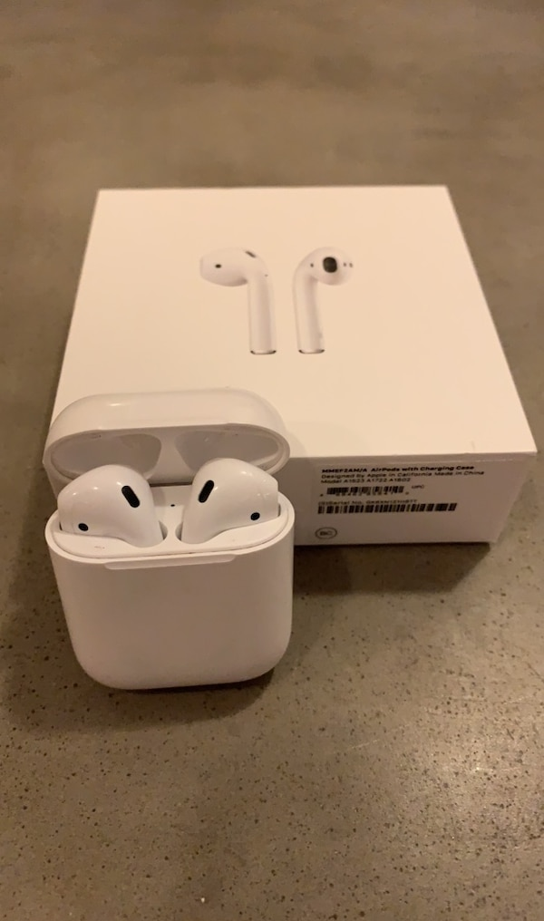 Sold Apple Airpods 1st Generation In Chicago Letgo