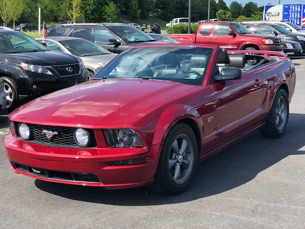 2006 Ford Mustang GT excellent condition