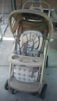Baby's gray and white umbrella stroller Bakersfield, 93312