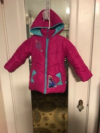 Girls size 4 Disney Frozen Jacket $2 New Holland, 17557