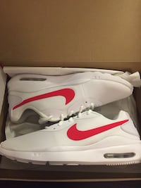 Size: Men's 9.5 (New Nike Air Max O White Red)