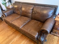 **NEGOTIABLE**Chesterfield Brown Leather 4 piece Sofa Set New York, 11106