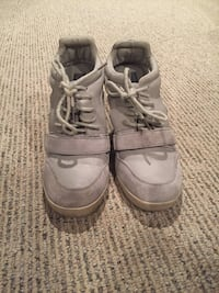 Cut out sneaker wedges  Chicago, 60613