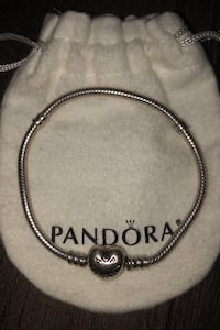 Pandora heart bracelet  Does not come in box just the small bag. Markham