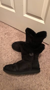 UGG Bailey Button Boot; Black; Ladies Size 9 Livermore, 94550
