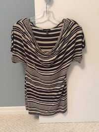 Medium top, from Le Château good condition,smoke and pet free home. Elmira, N3B 1E7