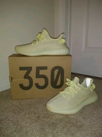 (New condition) Butter Adidas Yeezy Boost 350