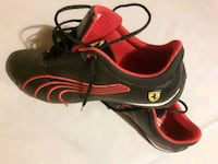 pair of black-and-red Nike cleats Los Angeles, 91402