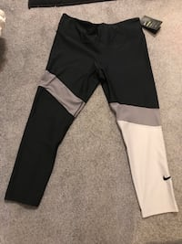 Nike leggings  Pitt Meadows, V3Y 2S3